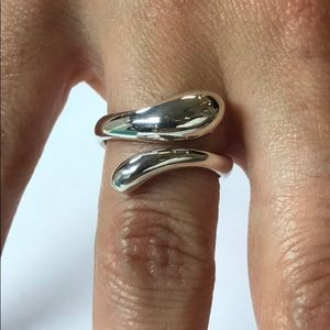 Tiffany&Co 925 Silver Tear drop Ring Size 7